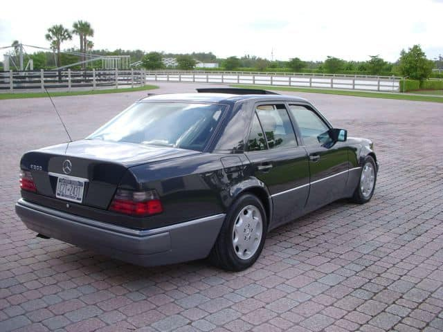 the majority of 500ee500s came in this exact color combination dark metallic gray with back interior i have seen red spruce green smoke silver