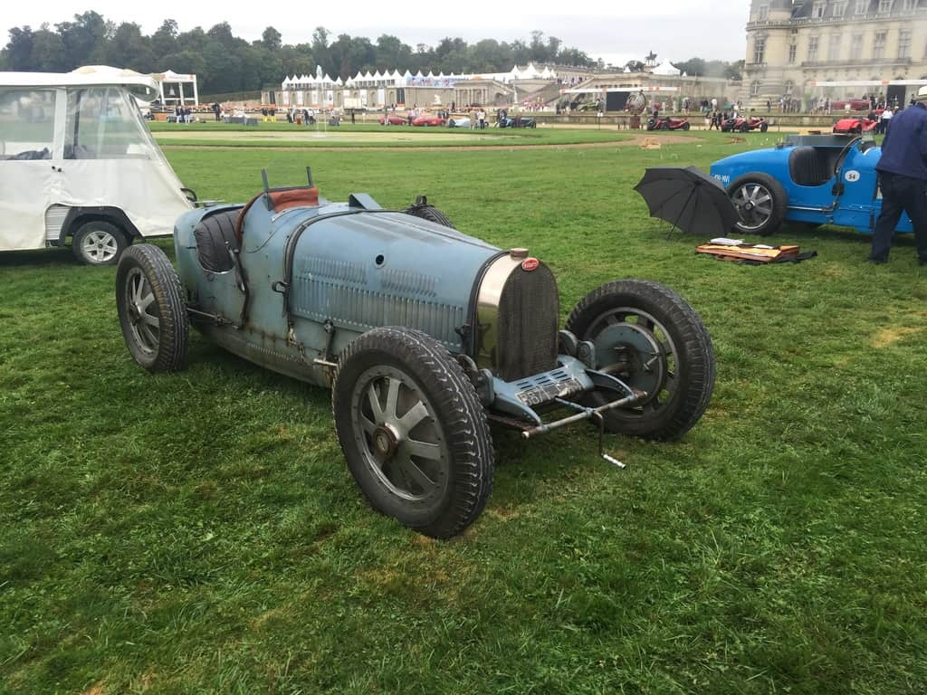 An early Bugatti race car