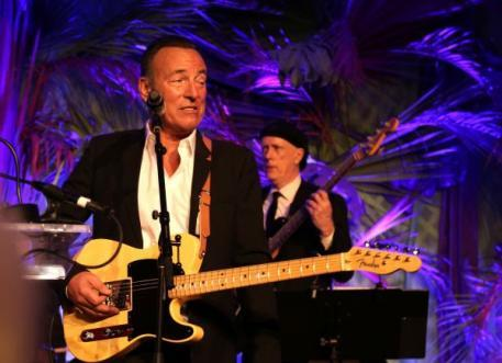 Bruce at the USET Rockin Rio Fundraiser 2016